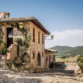 Borgo-Il-poggiaccio siena - dimore d'epoca promozione chimento oreficeria meneghetti gioielleria venezia 2019