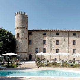 Castello-di-Baccaresca perugia - dimore d'epoca promozione chimento oreficeria meneghetti gioielleria venezia 2019